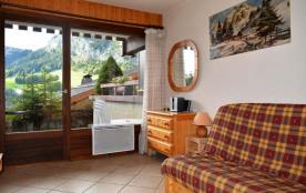 Studio de 25 m² environ pour 4 personnes, la résidence Les Cottages est située sur les pistes de ...