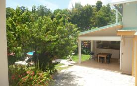 Appartement de deux chambres inclus dans une villa dans un beau jardin tropical
