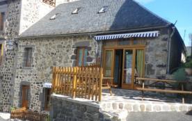 Gîte  rural de 12 pers dans la Cantal - Peyrusse