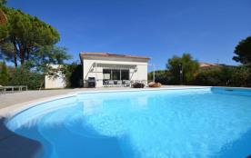 squarebreak, Lovely family villa with pool