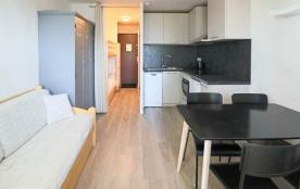 Studio 4 personnes de 22 m² situé au pied des pistes, à 200 m des commerces et 50 m de la garderi...