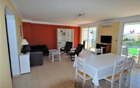 FREJUS PLAGE : Appartement de 80 m²,  3 Pièces  -  Superbe terrasse
