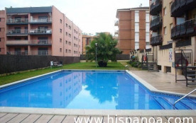 Location de cet appartement à Lioret del Mar sur la Costa Brava, dans une résidence situé à 300 m...