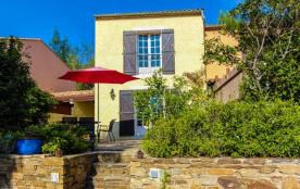 Le Bois d'Amourette, à Bormes-Les-Mimosas, est idéalement situé entre Toulon et St Tropez (40km),...