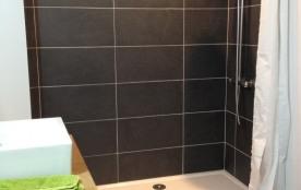 sdb rdc douche XL accessible personne à mobilité réduite