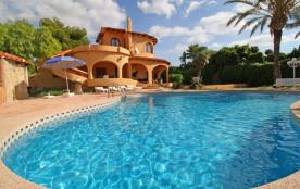 Canuta Baja, Roma - Villa à Calpe qui possède 4 chambres et capacité pour 9 personnes.