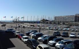studio 4 couchages vue sur mer, chenal sortie du port, à 1 heure du puy du fou.