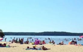 plage privée du camping au bord du Lac