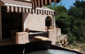 COTE D'AZUR - Saint Raphaël dans villa calme sans vis-à vis proche port Santa  Lucia