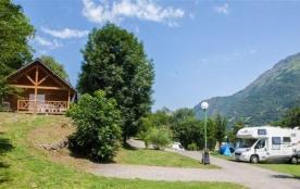 Camping Sites et Paysages PYRÉNÉVASION, 75 emplacements, 14 locatifs
