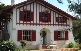 Maison de caractère ,de type basque, avec jardin clos