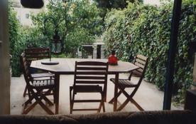 Agréable 2 Pièces Rez de Jardin, Terrasse, Piscine, proche de la mer