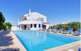 Très belle villa pour 10 personnes dans un quartier résidentiel tranquille.