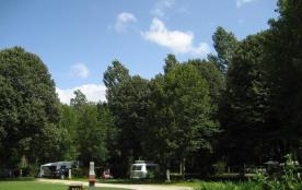 Camping L'Agrion Bleu, 57 emplacements, 13 locatifs