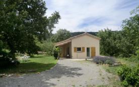 Gîtes de France Le Plantier. Situé au bout du chemin du petit hameau très calme du Plantier, cett...