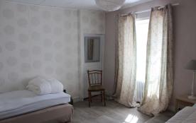 Chambre avec deux lits de 90