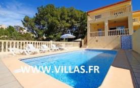 Confortable villa climatisée pour 9 personnes avec piscine privée.