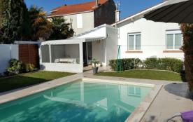 Maison de vacances avec jolie piscine privée :
