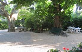 Location dans un mas provençal