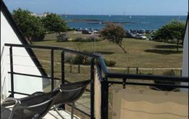 Résidence Cap Groix, appartement T3 vue mer, situé au deuxième étage avec ascenseur.