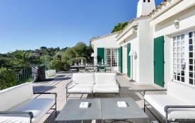 squarebreak, Villa méditerranéenne avec piscine chauffée, vue m