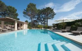 Villa standing de 3 chambres à 10 minutes à pieds de la plage de Cala rossa.