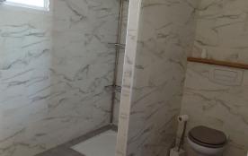 douche et W.C. de la grande chambre parentale