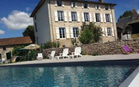 Magnifique maison de Maître au coeur du Cantal idéale pour famille