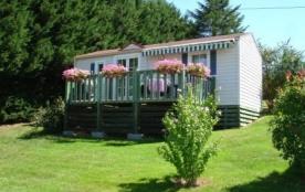 AUVERGNE:gite/mobilhome avec terrass,pelouse,vue