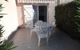 Petite villa 4 couchages dans résidence avec piscine et pataugeoire.