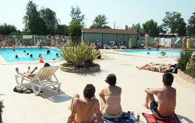 Camping La Fresnerie  3* - Chalet 5 personnes - 2 chambres (entre 6 et 10 ans)