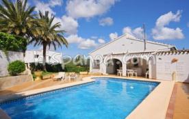Cette villa à Javéa avec piscine p