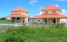 Résidence LES ALIZÉS - Maisons Créoles - jardin et piscine