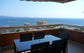 FR-1-61-212 - AJACCIO - Appartement avec terrasse face à la mer