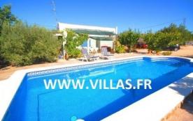 Villa VN Angel - Ravissante villa avec piscine privée située dans un environnement de campagne.