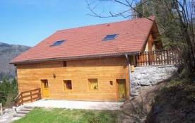 """Gîte """"Les Bouleaux"""" de 110 m² dans une ancienne ferme en partie rénovée, située sur les hauteurs ..."""