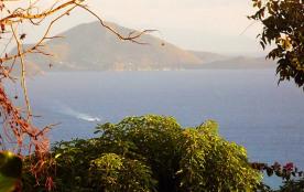 vue de l'île des Saintes de la terrasse du gîte corossol