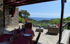 Terrasse ombragée pour les repas