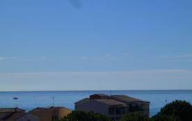 La vue mer un spectacle qui change: bateaux, jets