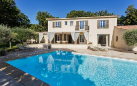 squarebreak, Comfortable Bastide in Luberon