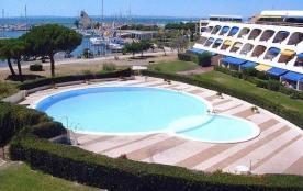 """Résidence """"L'ESCALE PORT"""",BEAU STUDIO avec piscine et une très belle vue port"""