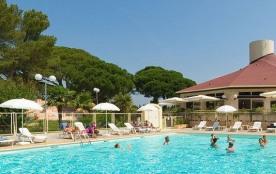 Village vacances proche de la mer, entre Sainte-Maxime et Saint-Raphaël sur la Côte d'Azur. Location de Maisonnettes ...
