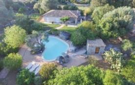 Villa DP Ali - Belle villa avec piscine privée, profitant d'une situation privilégiée à proximité...