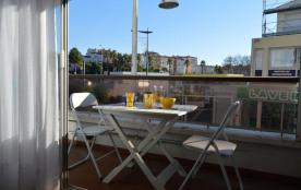 Appartement studio de 25 m² environ pour 2 personnes, située à 850 m de la plage, la résidence « ...
