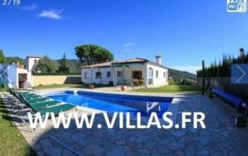 Villa CV Chamo - Belle villa indépendante avec piscine privée située dans une urbanisation tranqu...