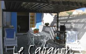 """Maisonnette style """" CABANON """" près des plages et du port"""
