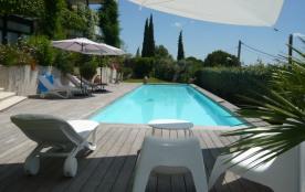 Bel Appartement en rez de jardin de villa, vue magnifique et dégagée.