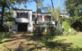 Maison individuelle spacieuse dans quartier résidentiel très calme et très proche de la plage