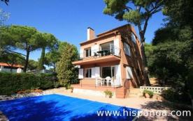 Simple maison de vacances en Espagne, sur la Cos