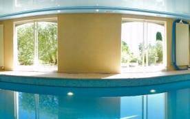Villa clim, piscine intérieure chauffée 28°C, flipper, baby-foot, ping-pong, WIFI gratuit, vue dégagée